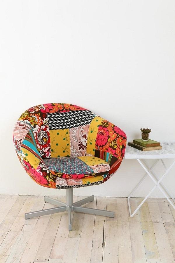 Полотна, выполненные с помощью техники пэчворк, используют для обивки мебели