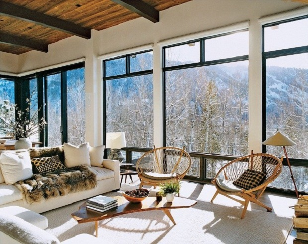 На фото – панорамные окна в частном доме